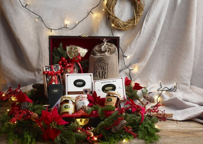 festive-hampers-at-the-raffles-gift-shop