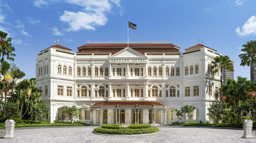 raffles-hotel-singapore-facade-with-bar-billiard-room-1896