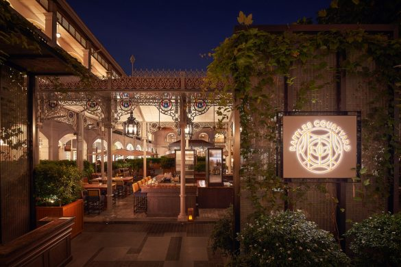 raffles-courtyard
