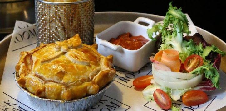 web-promo-australian-meat-pie-01