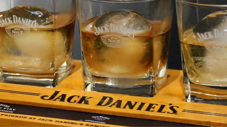 jack-daniels-flight