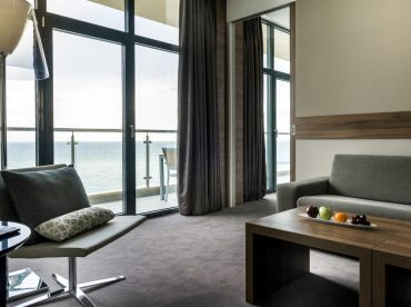 corner-sea-view-suite