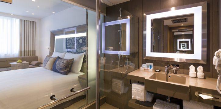 executive-bath-room-2