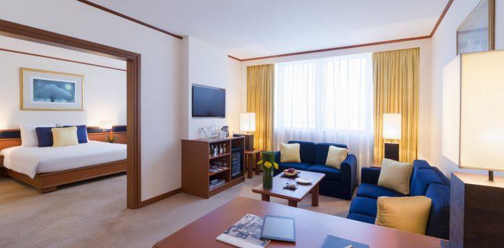 suite-living-room-2