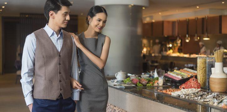 novotel-bangkok-bangna-hotel-restaurants-and-bar-the-square-image04-2