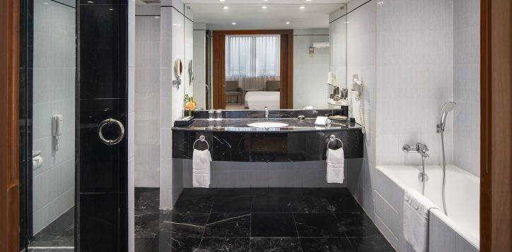 novotel-hotel-bangkok-bangna-gallery-executive-suite-image03