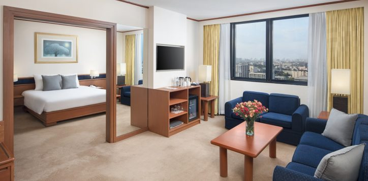 novotel-hotel-bangkok-bangna-gallery-executive-suite-image01