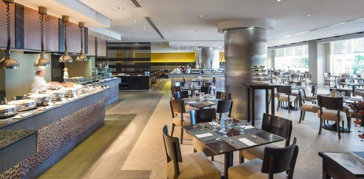 novotel-hotel-bangkok-bangna-gallery-bar-and-restaurant-the-square-image01
