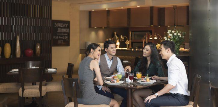 novotel-hotel-bangkok-bangna-gallery-bar-and-restaurant-the-square-image05