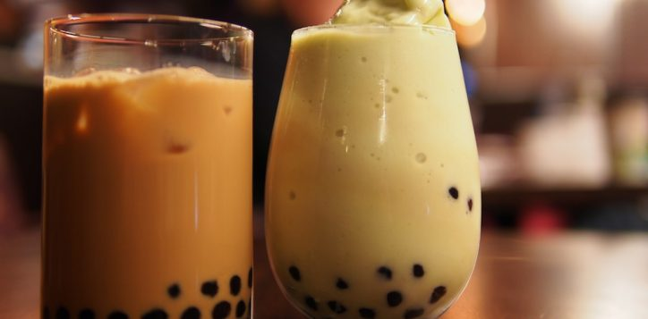 bubble-teas-at-cafe-pluck