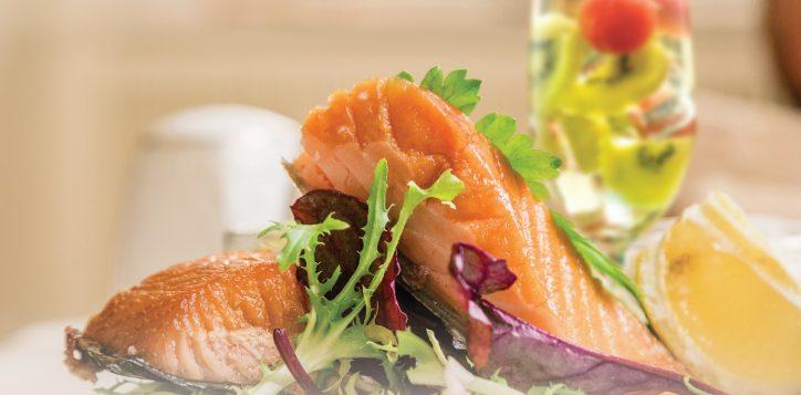 seafood-and-sangria-at-honk