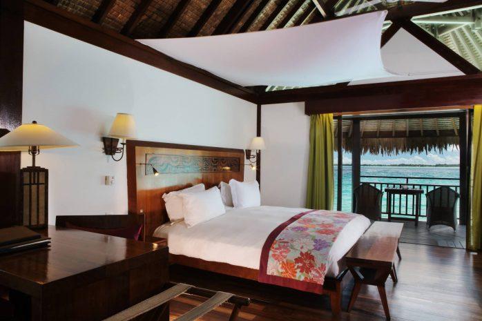 island-luxury-overwater-bungalow