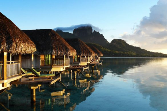 horizon-luxury-overwater-bungalow