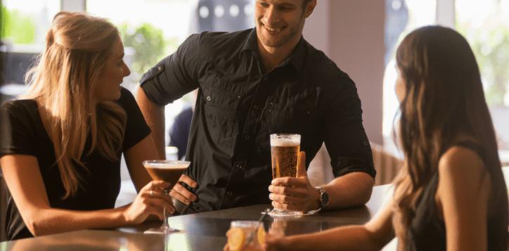 salt-bar-lounge-social-hour