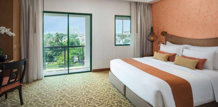 three-bedroom-deluxe-suite-apartment