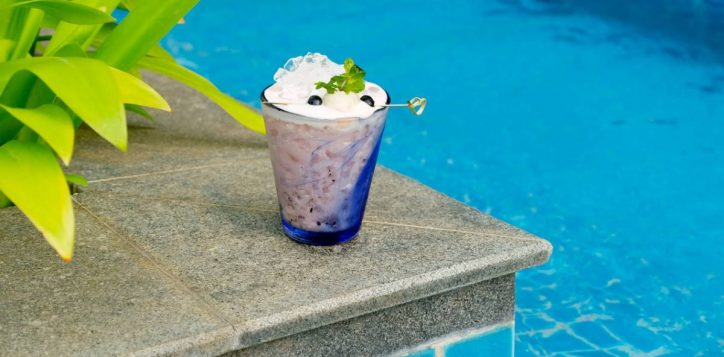 lychee-berry-iced-blend-tea