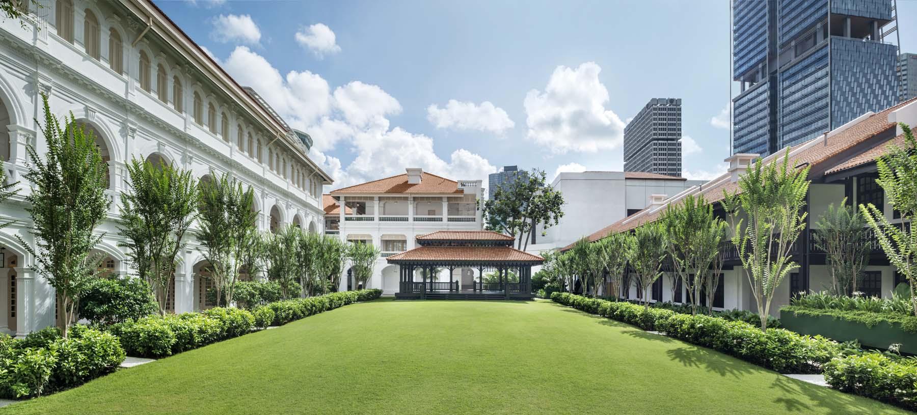 Raffles Singapore  - The Lawn