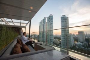 sky-on-20-rooftop-bar