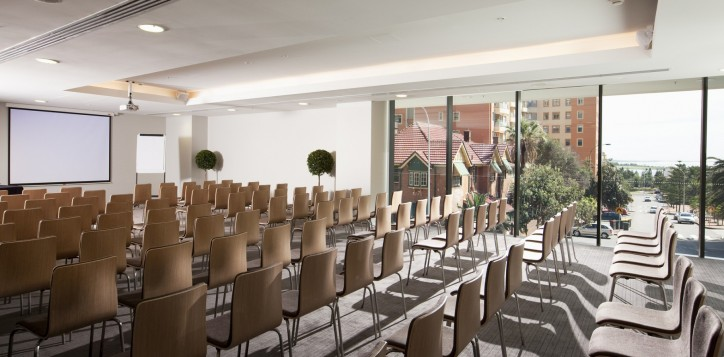 mice-meetingrooms-businessevents-3