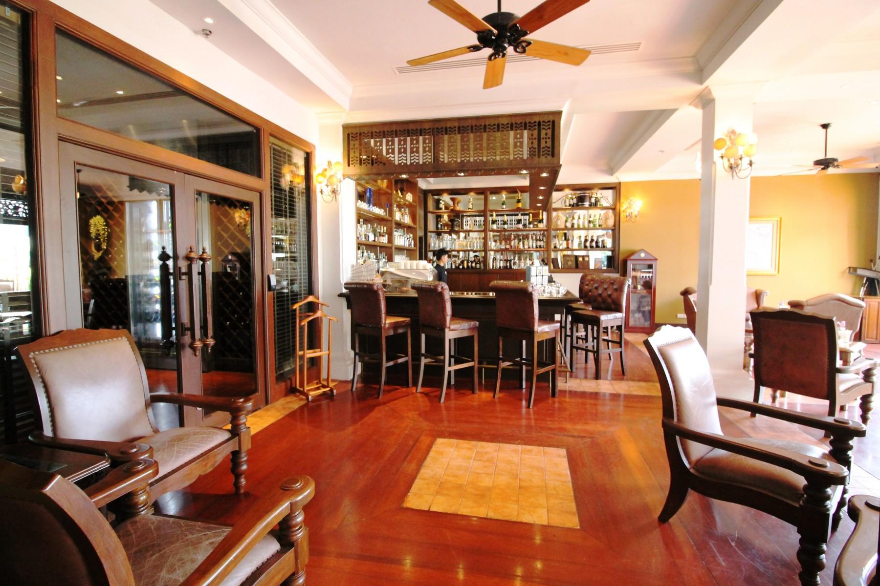best bar in Krabi