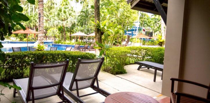deluxe-poolside-terrace-room