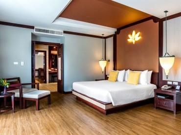 honeymoon-suite-beach-side