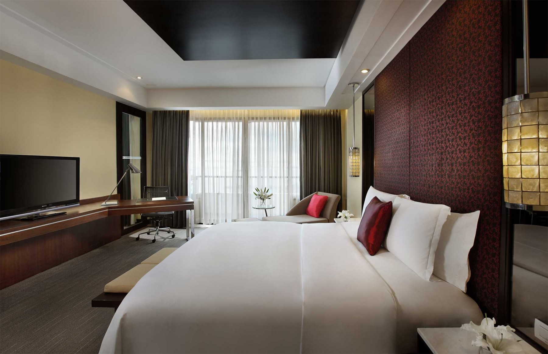 prestige suite book your stay at sofitel philippine plaza manila. Black Bedroom Furniture Sets. Home Design Ideas
