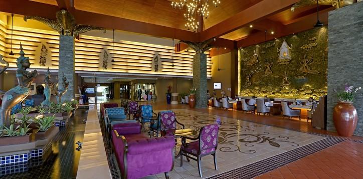 night-blooming-lobby-bar