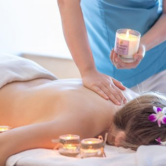 do-you-dare-to-try-a-hot-candle-massage
