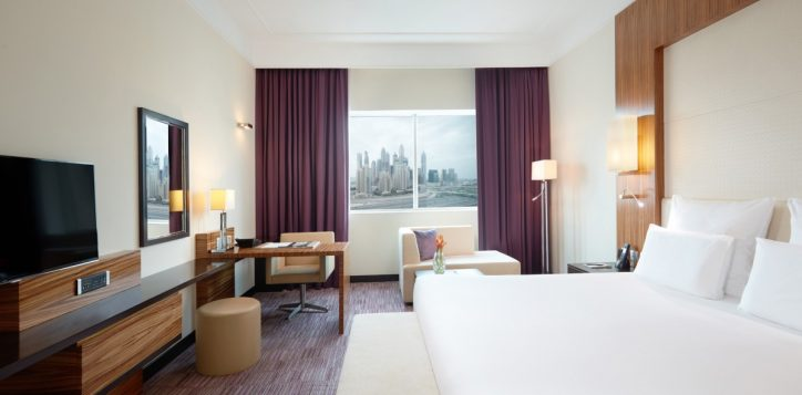 Pullman Dubai Jumeirah Lakes Towers Rooms Suites Apartments