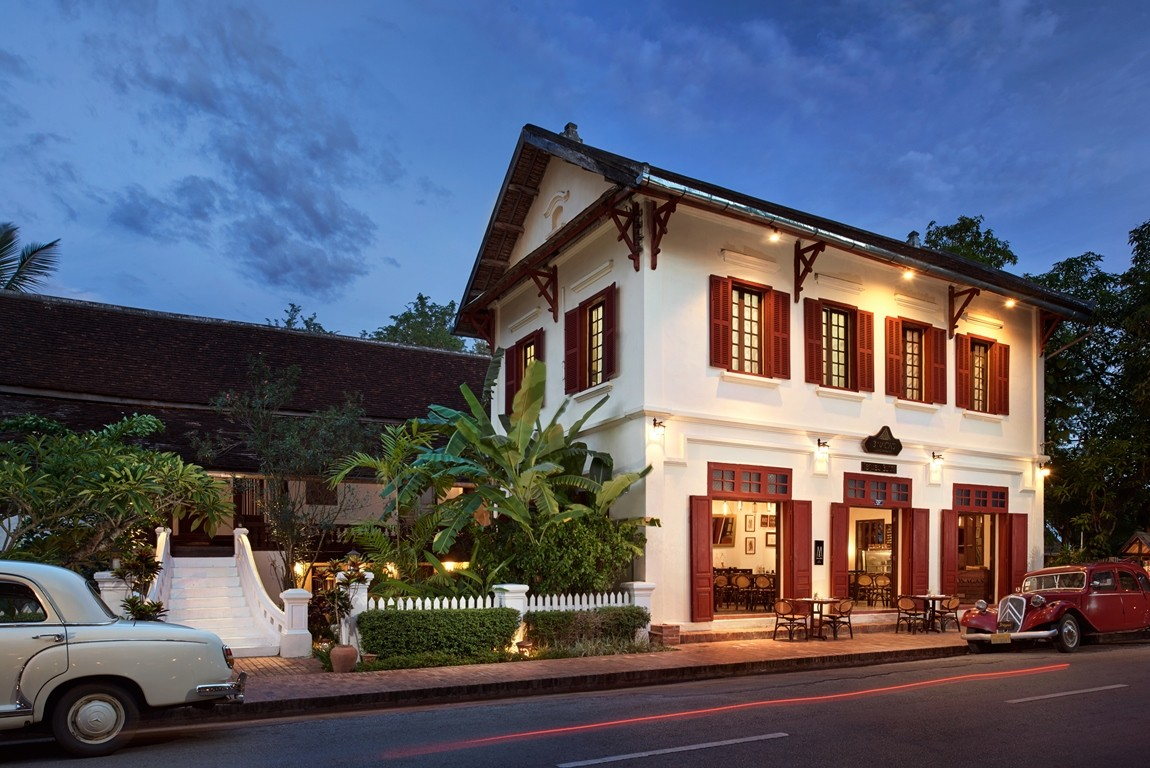 Luxury boutique hotels luang prabang best riverside for Luxury hotels in laos