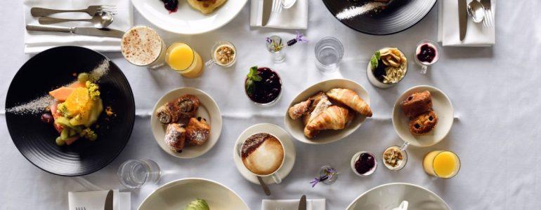 breakfast-wait-staff