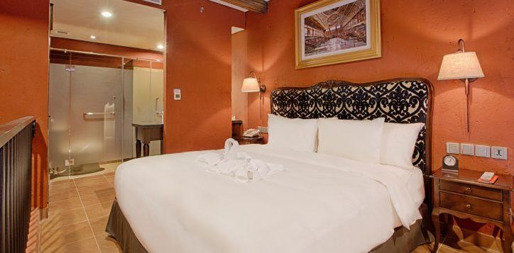 room_suites_executive-suite-2