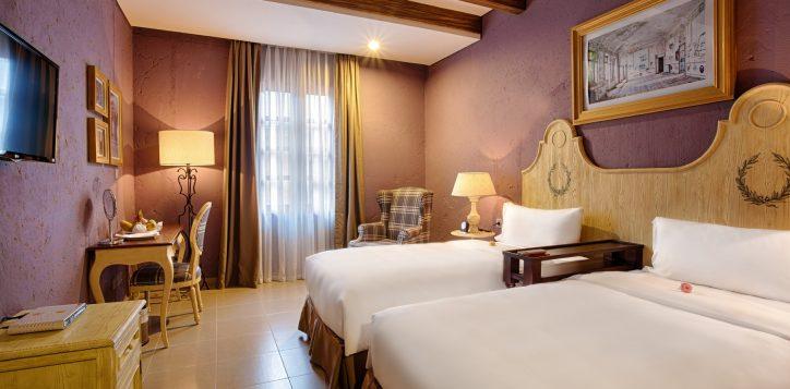 room_suites_deluxe-twin-2