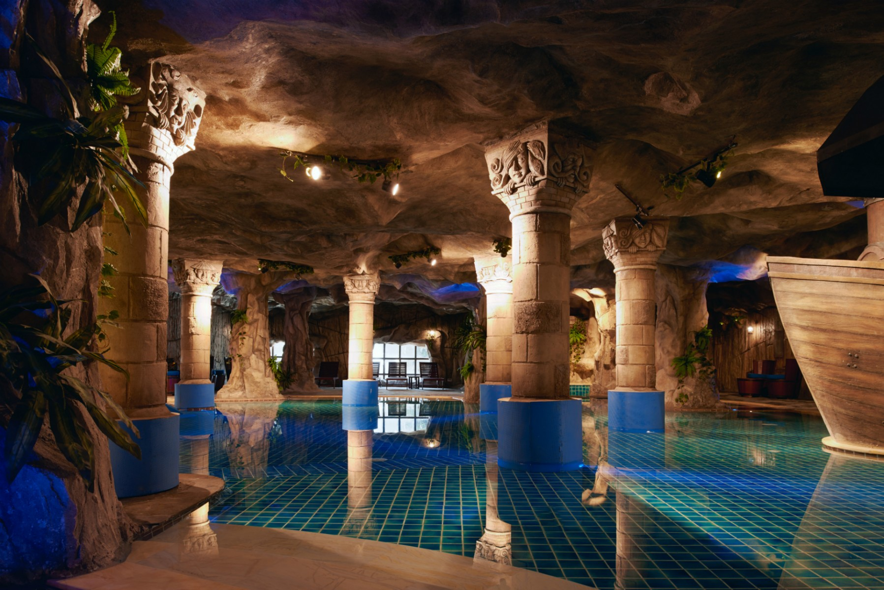 Indoor pool grotte  Indoor Swimming Pools | Hotel Mercure Danang French Village