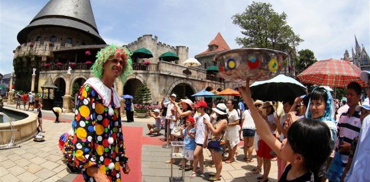 carnival-ba-na-hills-6-1485169135482