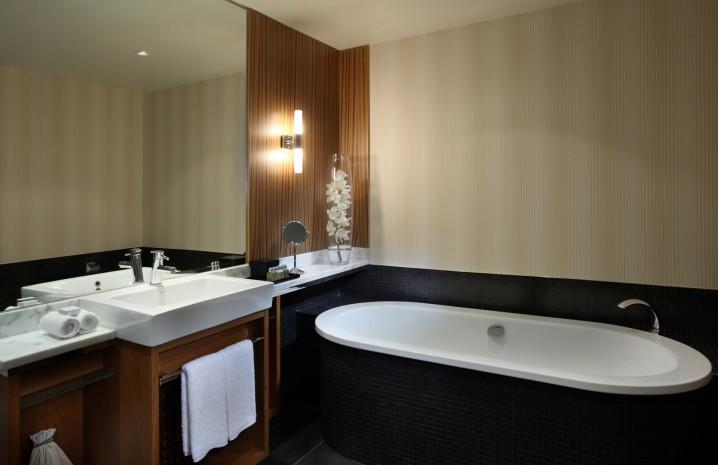 luxury-marina-view-room