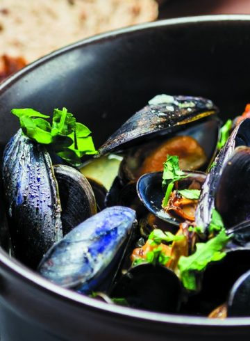 black-mussels-fries-promotion-at-the-speakeasy