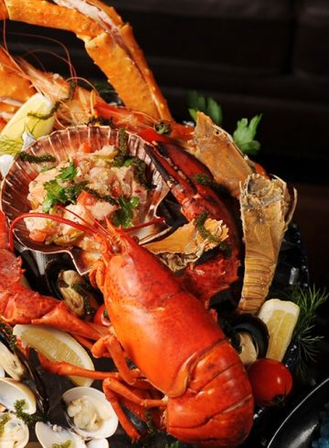 seafood-platter-sparkling-wine-at-the-speakeasy
