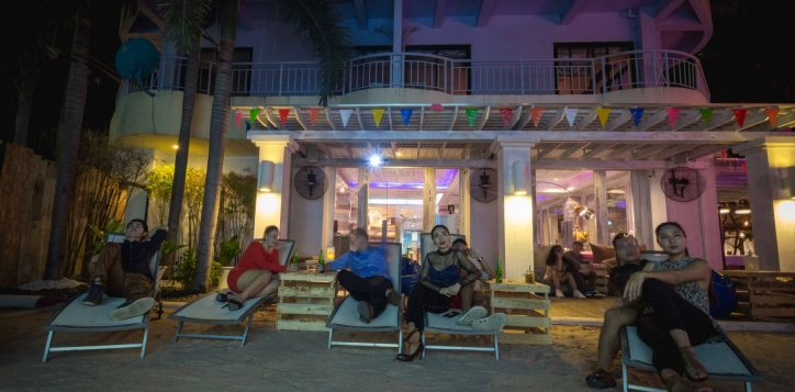 aqua-pool-bar-club-mercure-pattaya-hotel-173