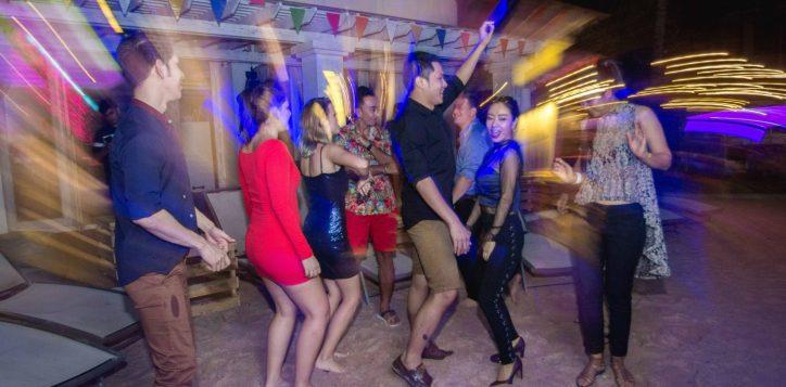 aqua-pool-bar-club-mercure-pattaya-hotel-176