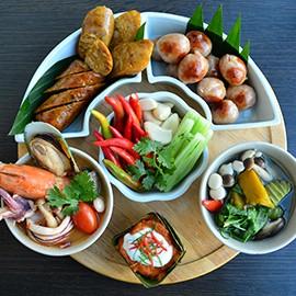 บุฟเฟ่ต์มื้อค่ำซีฟู้ดไท้ไทย!