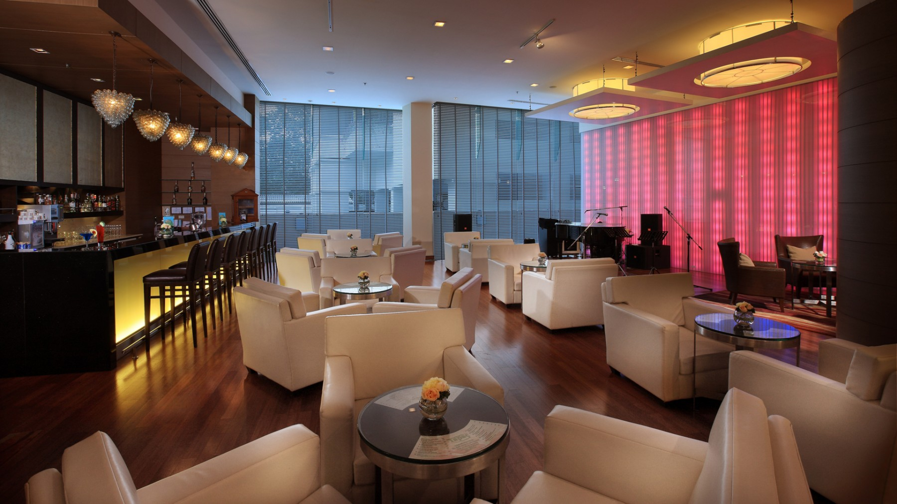 restaurants-and-bars-petrus-lobby-bar2