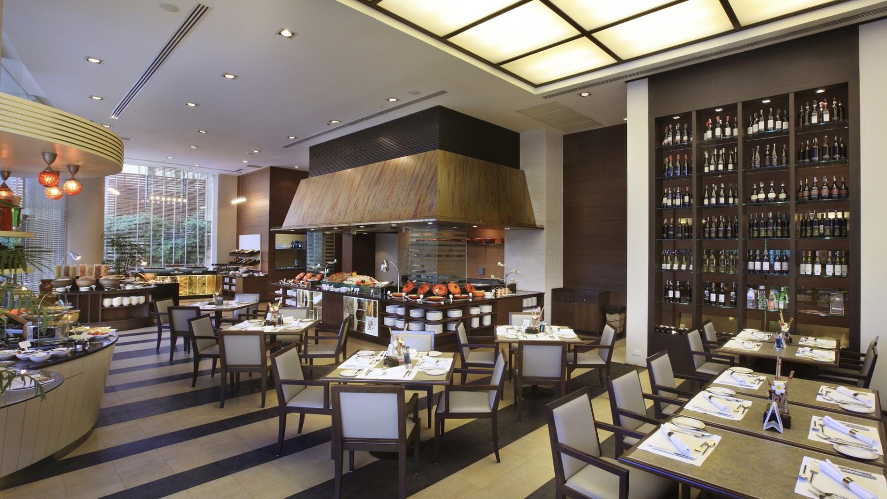 Cafe De Nimes Bangkok Restaurant
