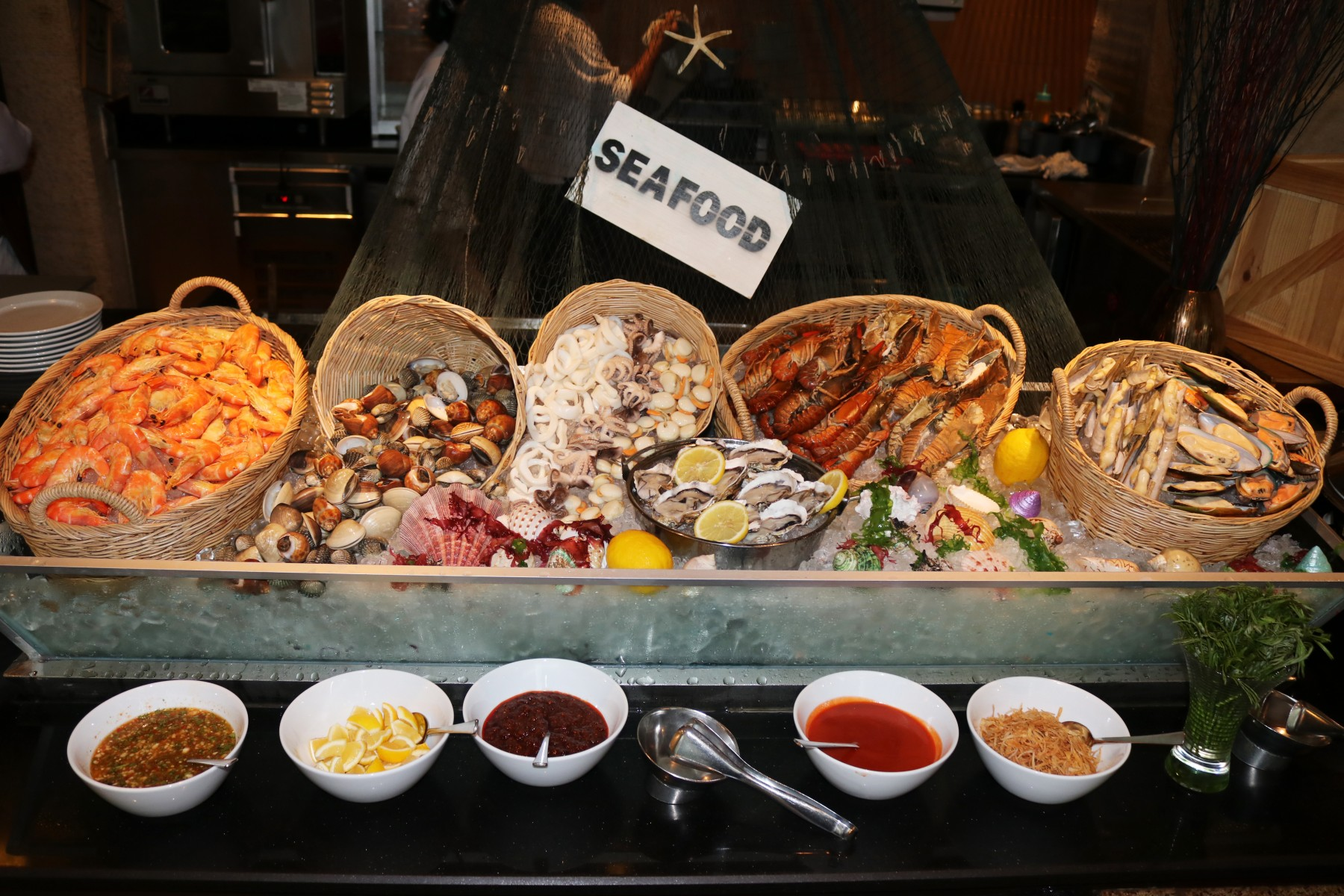 seafood-buffet-dinner