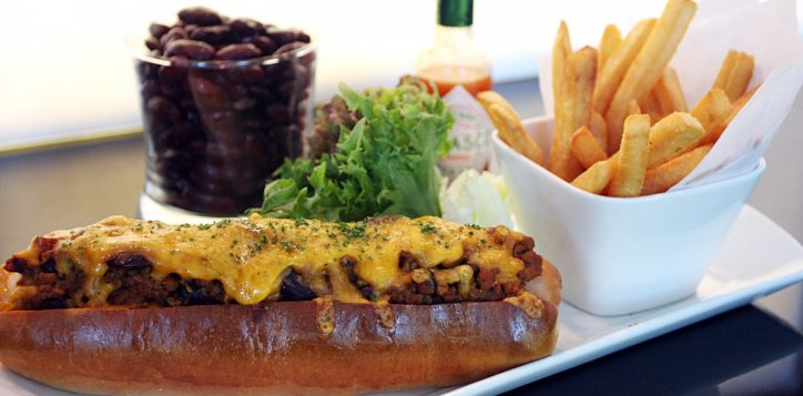 chilli-cheese-hot-dog-2-web