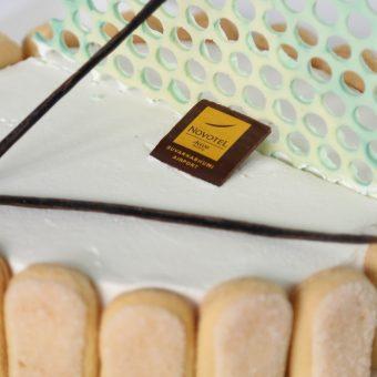 vanilla-cream-cake