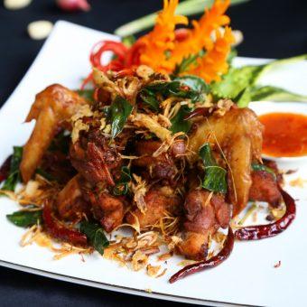 deep-fried-thai-farm-chicken-with-thai-spices