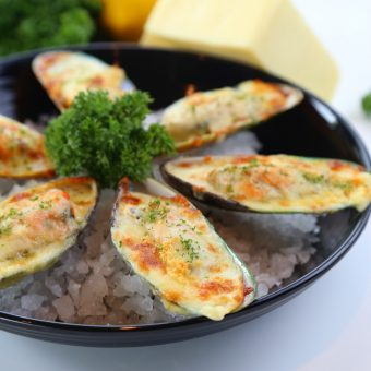 new-zealand-mussels-with-cheese