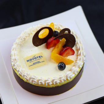 vanilla-yoghurt-cake